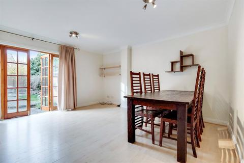 2 bedroom semi-detached house to rent - Providence Close, Wetherell Road, E9