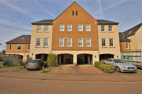 3 bedroom terraced house for sale - Wraysbury Gardens, Staines-upon-Thames, TW18