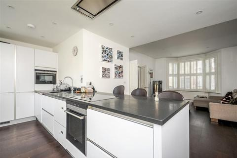 4 bedroom terraced house to rent - Bendemeer Road, SW15