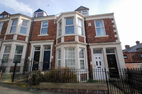 2 bedroom flat for sale - Whitehall Road, Gateshead