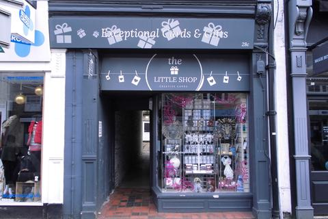 Retail property (high street) to rent - High Street, Witney OX28