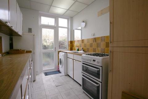 3 bedroom semi-detached house to rent - Mannin Road, Chadwell Heath, RM6