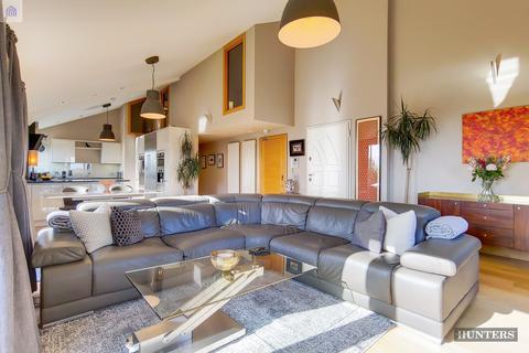 3 bedroom flat to rent - Tradewind Heights, SE16 5GW
