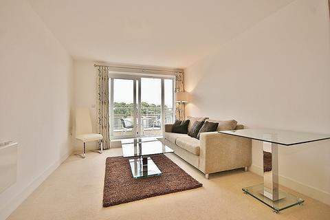 1 bedroom flat to rent - Napier House, Bromyard Avenue, London, W3