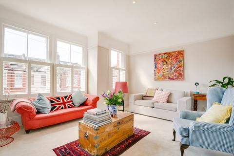 3 bedroom flat for sale - Cathles Road, London, SW12