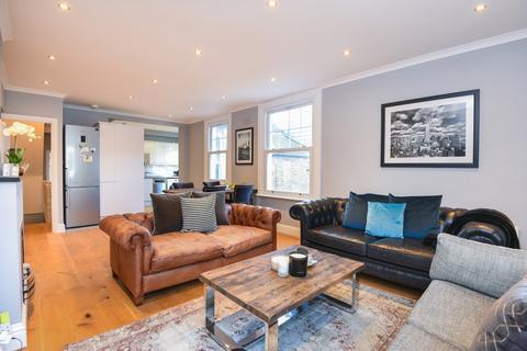 3 bedroom apartment to rent - Daphne Street London SW18