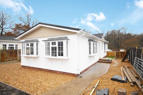 2 bedroom detached house for sale - Bashley Cross Road, Bashley New Milton BH25 5TA