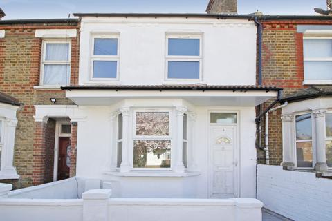 3 bedroom terraced house to rent - Woolwich Road, London, SE2