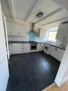 3 bedroom maisonette to rent - Tomlinson Close, Shoreditch, E2