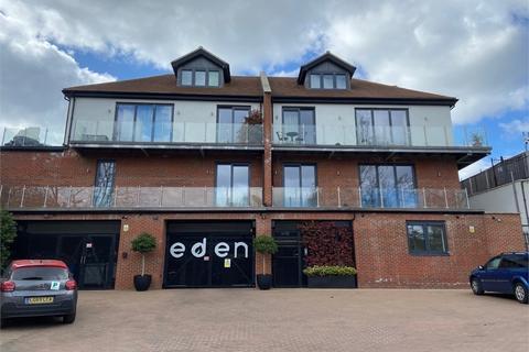 3 bedroom flat to rent - Eden Lodges, Eden Avenue, CHIGWELL, Essex