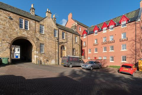 2 bedroom flat to rent - High Street, Penicuik, Edinburgh, EH26 8HS