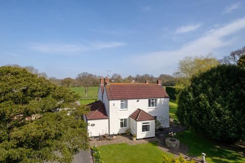 3 bedroom farm house for sale - Charming cottage with paddocks and stables