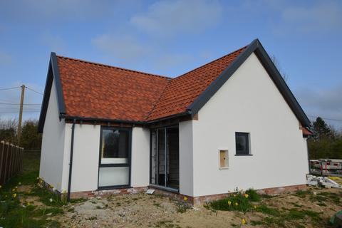 3 bedroom detached bungalow for sale - Swanton Morley