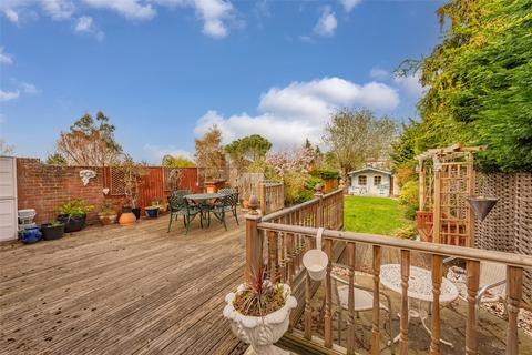 3 bedroom semi-detached house for sale - Cuddington Avenue, Worcester Park, Epsom, KT4