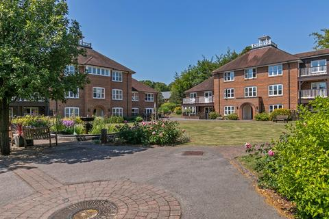 2 bedroom ground floor flat for sale - Wyke Mark, Dean Lane, Winchester, SO22