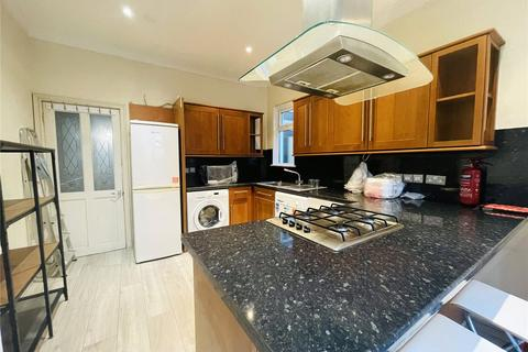 4 bedroom terraced house to rent - Eswyn Road, Tooting, SW17