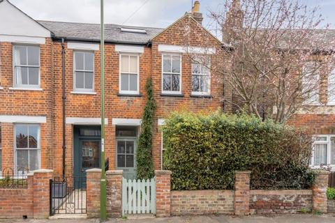 3 bedroom semi-detached house for sale - Adelaide Road, Chichester