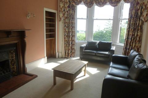 5 bedroom flat to rent - 101 2/2 Magdalen Yard Road, ,