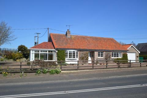 3 bedroom detached bungalow for sale - Ancroft, Berwick-Upon-Tweed
