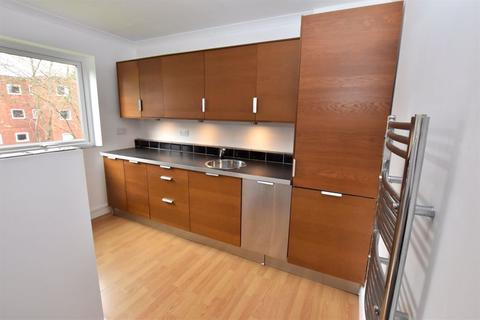 3 bedroom apartment for sale - Greenside Court, Monton
