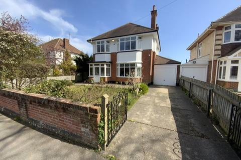 3 bedroom detached house for sale - Holdenhurst Avenue, Boscombe East, Bournemouth