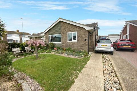 2 bedroom semi-detached bungalow for sale - Southwater Close, Worthing