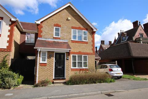 3 bedroom link detached house for sale - Tanbridge Park, Horsham