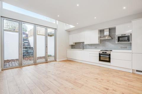 3 bedroom flat to rent - Aldbourne Road, Shepherds Bush, London, W12
