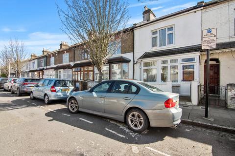 3 bedroom terraced house for sale - Ferndale Road, Forest Gate, London, E7