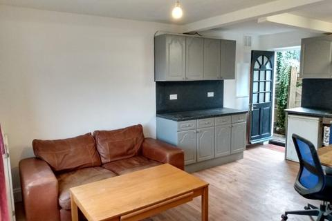 5 bedroom semi-detached house to rent - The Avenue, Brighton