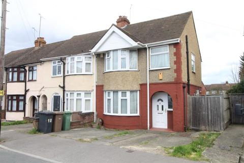 3 bedroom end of terrace house for sale - Browning Road, Luton