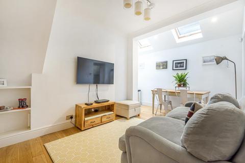 2 bedroom maisonette for sale - Ravensbury Road, Earlsfield