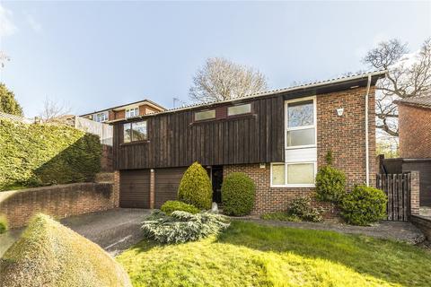 4 bedroom detached house to rent - Grafton Park Road, Worcester Park, KT4