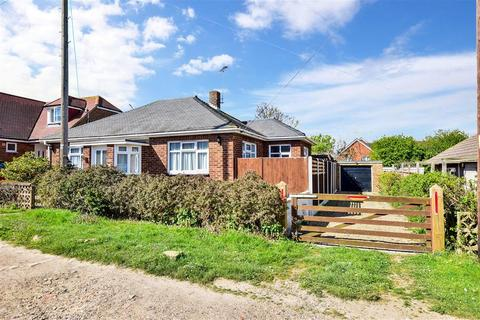 2 bedroom detached bungalow for sale - Kings Road, Minster On Sea, Sheerness, Kent