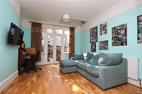 4 bedroom semi-detached house for sale - Whitehorse Lane, South Norwood, London, SE25