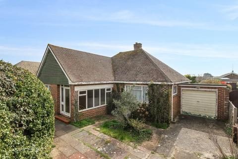 2 bedroom bungalow for sale - Hudson Drive, Rustington, West Sussex, BN16