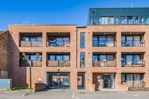 2 bedroom flat for sale - Shernhall Street, Walthamstow, E17