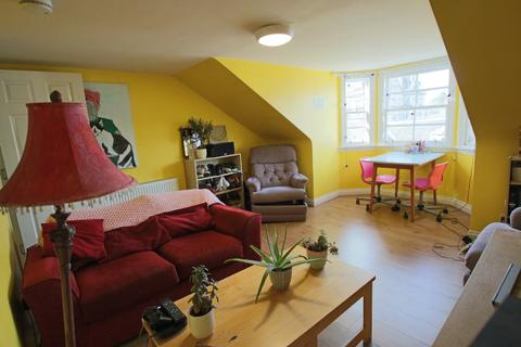 2 bedroom flat to rent - South Tay Street, Dundee, DD1