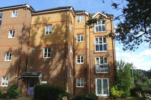 2 bedroom apartment to rent - Robina House, Polladrow Avenue, Bracknell, Berkshire, RG42