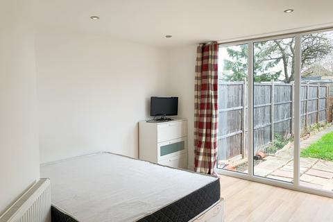 1 bedroom flat to rent - 20 St Andrews Road, East Acton, W3