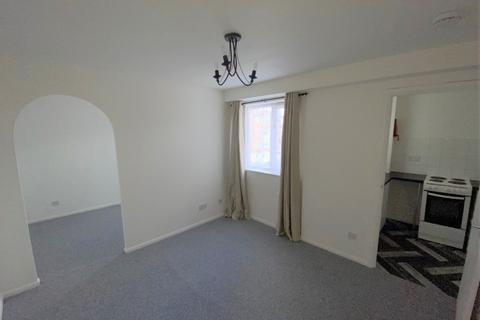1 bedroom flat to rent - Linwood Avenue, EN1 - Stunning Newly Refurbished One Bedroom Apartment With Separate utility room and newly refurbished