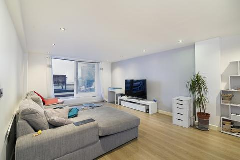 1 bedroom in a flat share to rent - Myrdle Street, London, E1