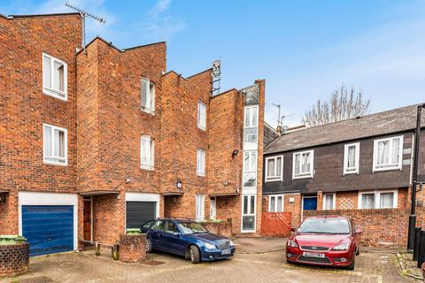 4 bedroom terraced house for sale - Langdale Close, Walworth