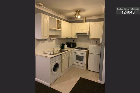 1 bedroom flat to rent - Squirrels Heath Road, Romford, RM3