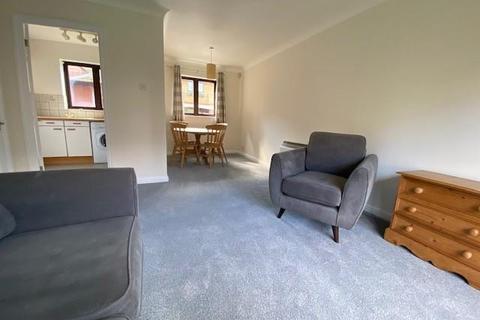 2 bedroom flat to rent - SHAFTESBURY COURT LUDLOW ROAD SL6
