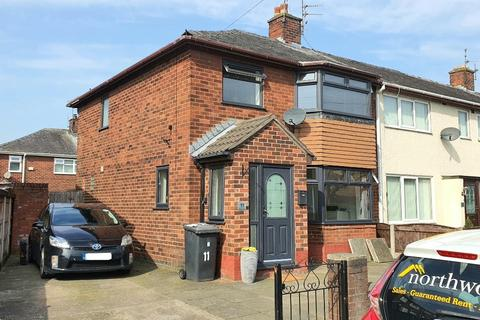 1 bedroom in a house share to rent - Higham Avenue, Bewsey, Warrington, WA5