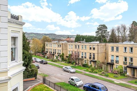 2 bedroom flat to rent - East Approach Drive, Pittville, Cheltenham, GL52