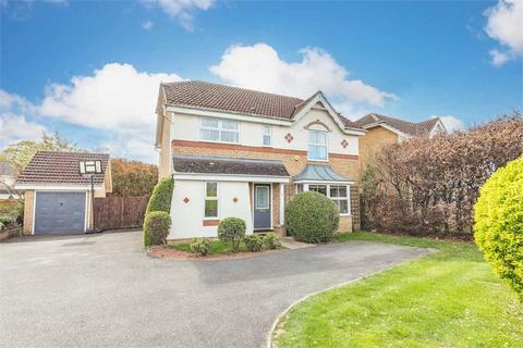 4 bedroom detached house for sale - Waylands, Wraysbury, Berkshire