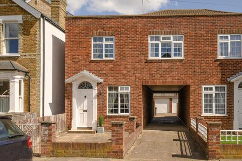 3 bedroom end of terrace house for sale - Chesfield Road, Kingston upon Thames, KT2