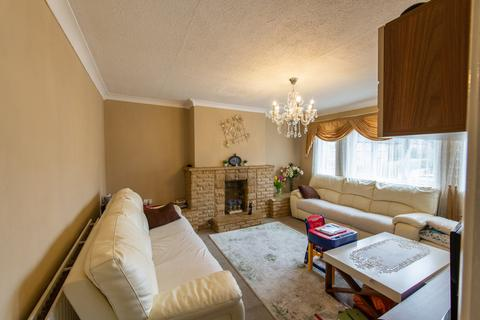 2 bedroom apartment for sale - Avon Close, Worcester Park, London, KT4